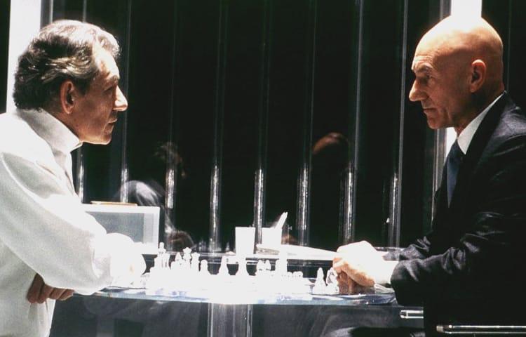 в карты четверо мужчин играли