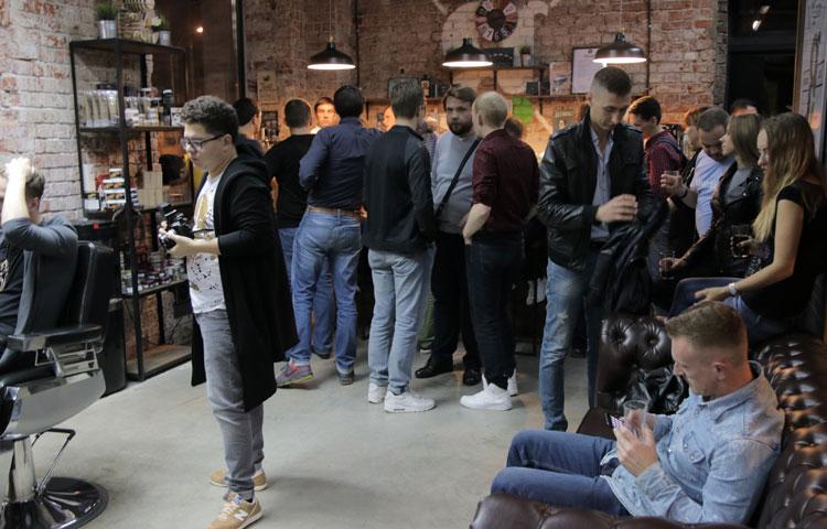 Почему лучшая мужская парикмахерская Москвы не советует