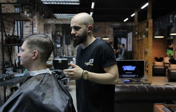 Мужская парикмахерская: как выбрать своего барбера