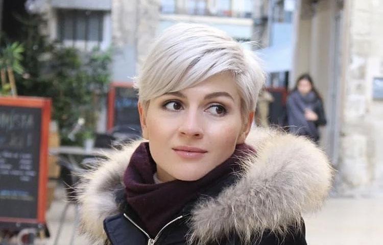 Короткая стрижка Блонди для женщин