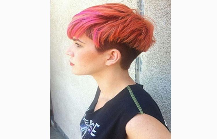 Короткая женская стрижка с выбритыми боками – стильный тренд сезона
