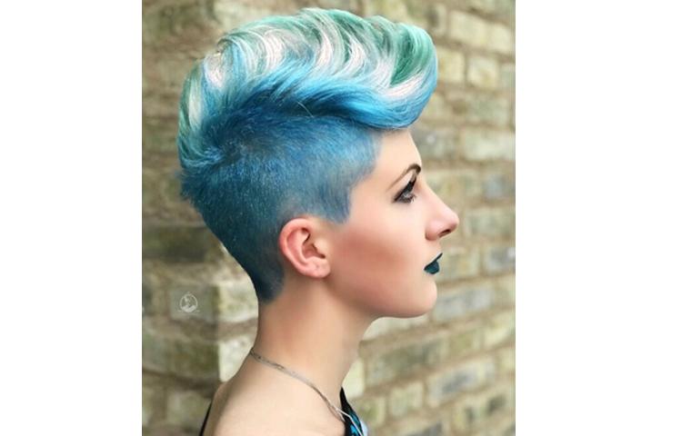 Короткая женская стрижка с дальнейшей покраской волос